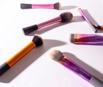 Podstawowe rodzaje pędzli do makijażu